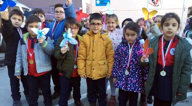 Zonguldak'ta, okullarda karne heyecanı
