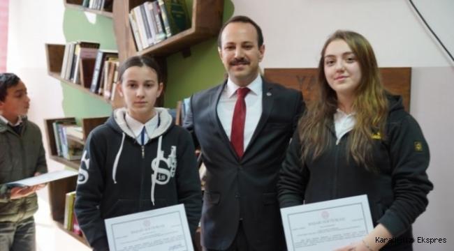 Aybastı'da 19 okula kitap ağaçları kuruldu