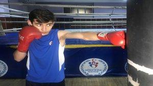 Genç boksörlerin gözü milli formada