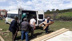 Kastamonu'da evi yanan aileye yardım