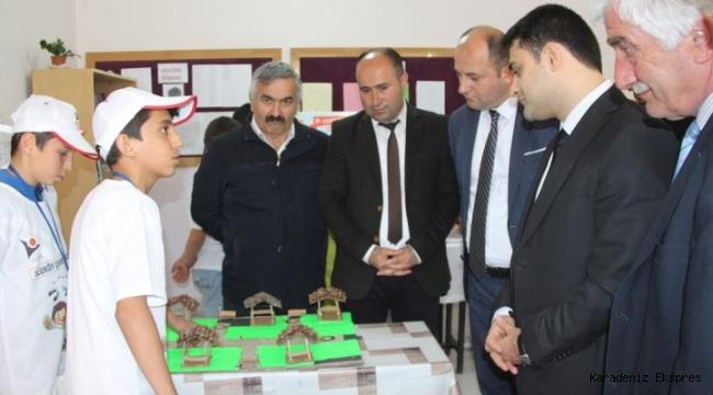 Taşova'da TÜBİTAK 4006 Bilim Fuarı açıldı