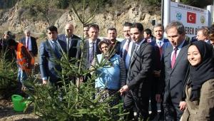 Ortahisar Belediye Başkanı Genç, öğrencilerle fidan dikti