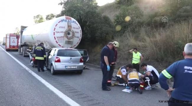 Otomobil, park halindeki LPG yüklü tankere çarptı: 1 ölü, 1 yaralı