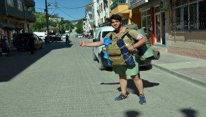 Otostopla Türkiye turu yapıyor