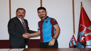 Trabzonspor, Fıratcan Üzüm'le sözleşme imzaladı