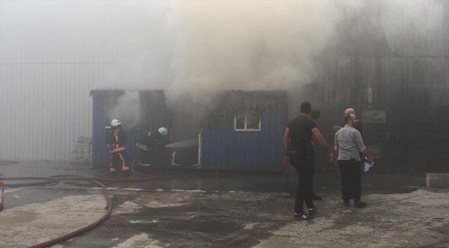 Düzce'de yağ fabrikasında yangın