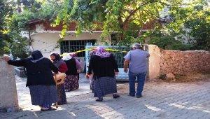 Yalnız yaşayan yaşlı kadın evinde ölü bulundu