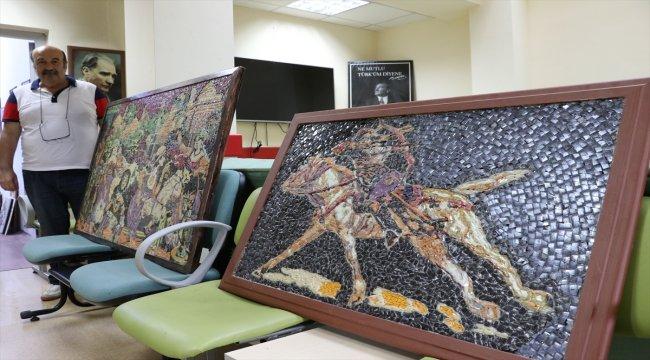 Cam parçalarını sanat eserine dönüştürüyor