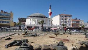 Eceabat Şehitler Camisi ibadete açıldı