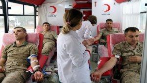 Jandarmadan kan bağışı