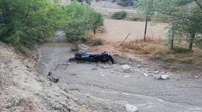Otomobil uçuruma yuvarlandı: 3 yaralı