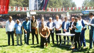 Samsun'da 15. Kunduz Yağlı Güreşleri yapıldı