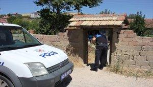 Suluova'da polisten kurban eti dağıtımı