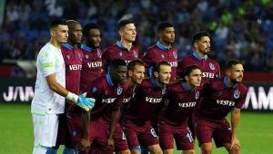 Trabzonspor - AEK yı eleyerek adını guruplara yazdırdı