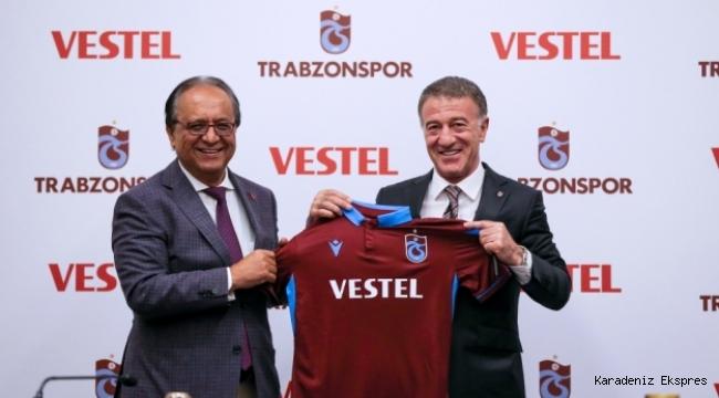 Trabzonspor'un forma göğüs sponsoru 3 yıl Vestel oldu