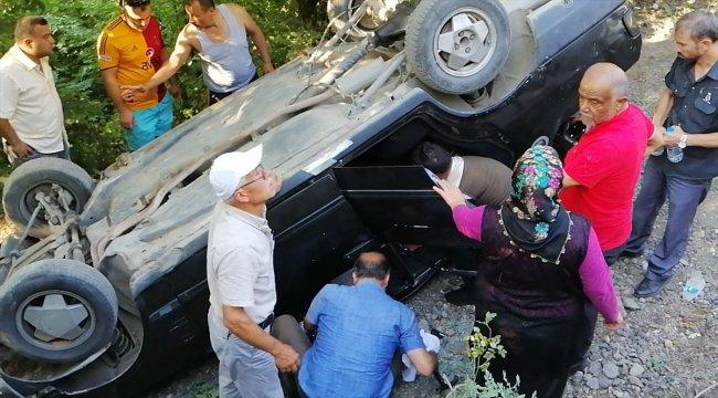 Zonguldak'ta otomobil devrildi: 3 yaralı