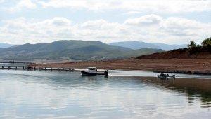 Baraj gölünde kaybolan Afgan genci arama çalışmaları sürüyor