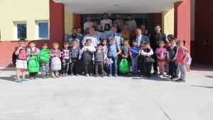 KAS-DER'den öğrencilere kırtasiye yardımı