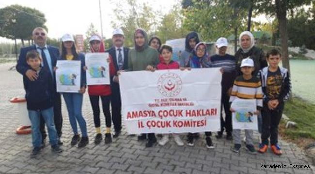 Amasya'da Çocuk Hakları Komitesi Üyesi çocukları cam ve plastik atıkları topladılar