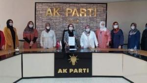 AK Partili kadınlardan DİLİPAK'A SUÇ DUYURUSU