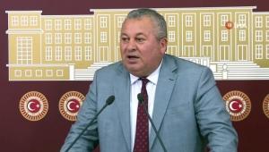 MHP'de ihraç edilen Cemal Enginyurt'a yakın 8 ilçe başkanı görevden alındı