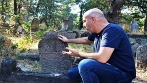 Bin yıllık Anadolu kültürü MEZAR TAŞLARINDA GİZLİ