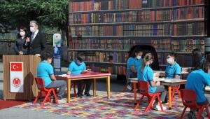 Pandemide öğrenciler kütüphaneye gitmeyecek, kütüphane ayaklarına gelecek