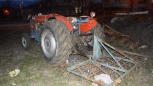 Niksar'da yaşlı adam traktörüne tırmık takmak isterken canından oldu