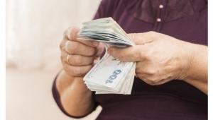 Çalışmayan ev hanımları dikkat! SGK'ya dilekçe vererek emekli olabilirsiniz! Başvuru şartları belli oldu.