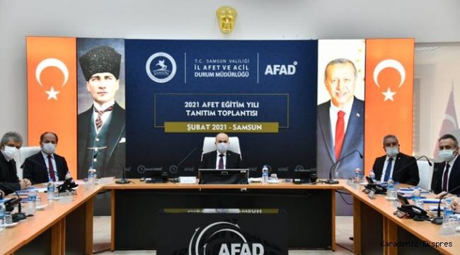 Samsun'da Vali Zülkif Dağlı Başkanlığında Kovid-19 Değerlendirme Toplantısı Yapıldı
