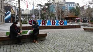 Trabzon Valisi Ustaoğlu: Kurallara uyulmuyor; halâ kırmızı kategorideyiz