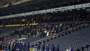 Trabzonspor Kulübü, Fenerbahçe maçında sağlık çalışanlarının stadyumda maçı izleyebilmesi için başvuruda bulundu. Federasyon bu talebi reddetti
