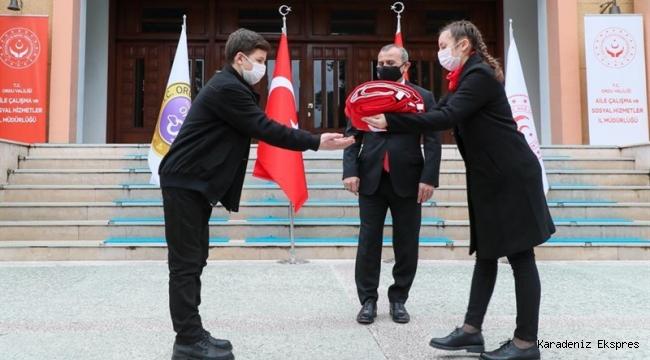 """""""Anadolu Gönül Yolu - 81 Genç 81 Bayrak"""" Etkinliği Kapsamında Bayrak Devir Teslim Töreni Yapıldı"""