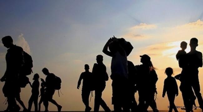 """Ayla Kerimoğlu - """"Mülteciyim Yüreğine Sığınmaya Çalışan"""""""