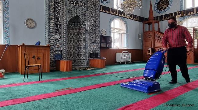 Boluda Cami temizlikleri köy camileri ile devam ediyor