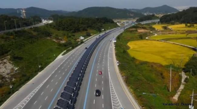 Güney Kore'nin Seoul şehrinde otoyolların ortası güneş panelleri ile kaplı