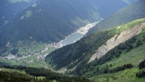 Karadeniz'de Bir Doğa Harikası: Uzungöl