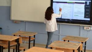 MEB açıkladı: Öğrencisi derse girmeyen öğretmenin ücreti kesilecek
