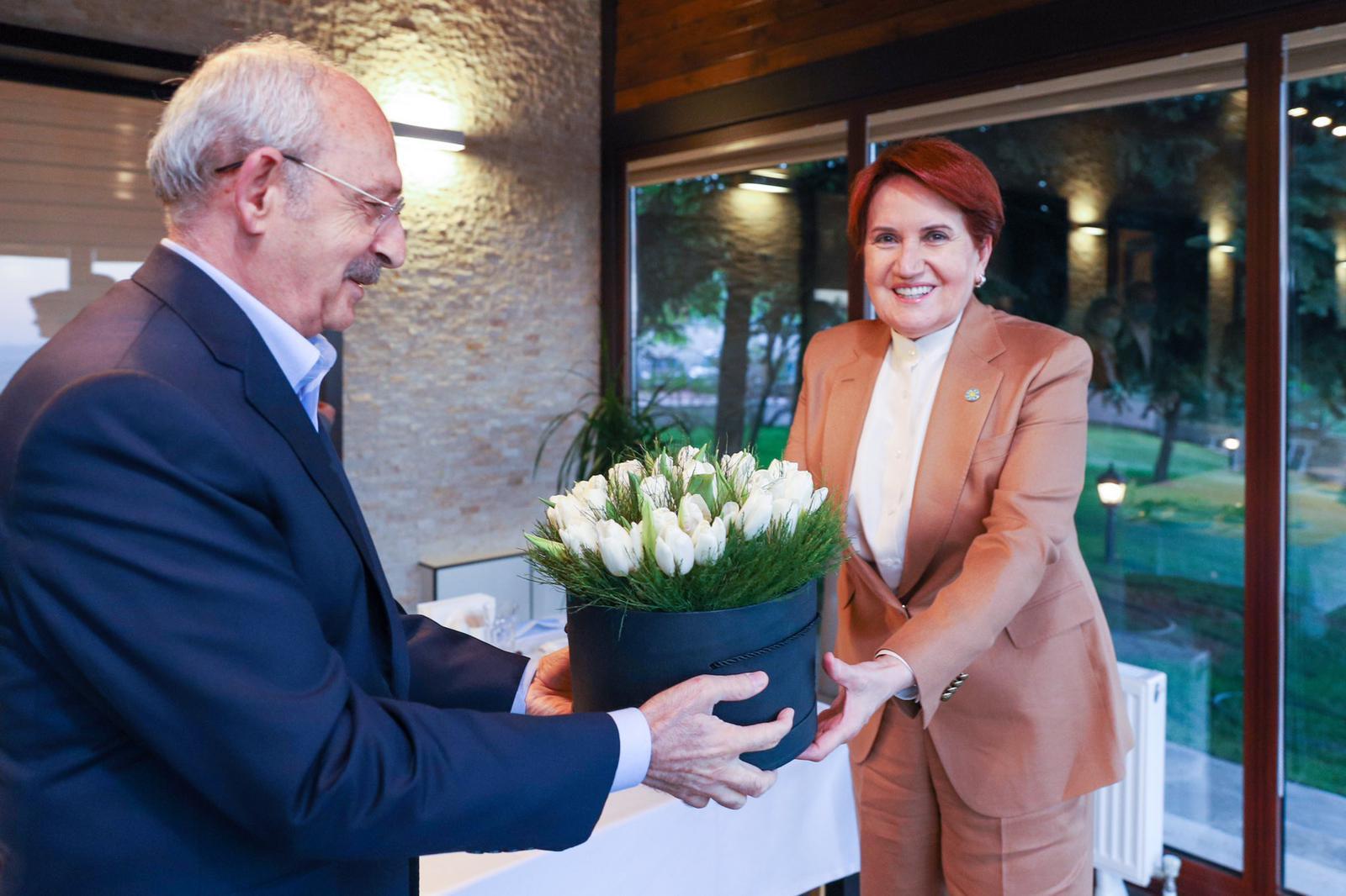 Kemal Kılıçdaroğlu ve Meral Akşener iftar yemeğinde bir araya geldi