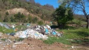 Mesudiye'de Melet Irmağı Kıyılarında Yaşanan Kirlilik Halkı Rahatsız Ediyor