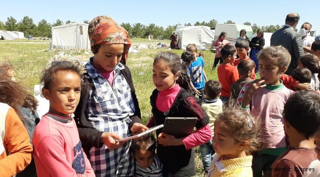 Mevsimlik tarım işçilerinin çocuklarına tablet var, elektrik yok