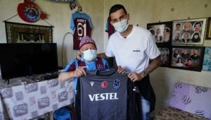 Uğurcan Çakır'dan Ahmet Dede'ye sürpriz ziyaret