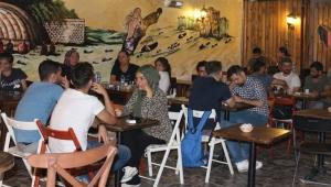 Kafe ve restoranlara yoğun ilgi var