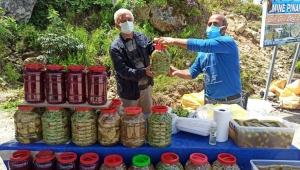 Ordu'da taze ürünler yayla pazarında