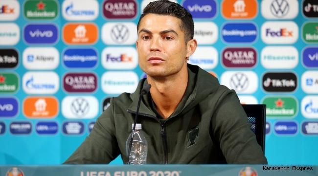 Ronaldo'nun tepkisi Coca Cola'ya 4 milyar dolar değer kaybettirdi!