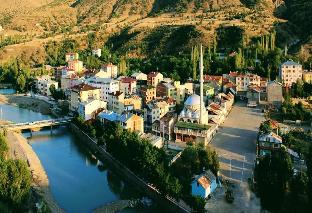 Giresun İlinin Anadolu'ya açılan penceresi küçük şirin ilçesi Çamoluk