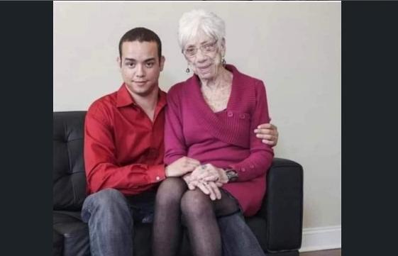 Kadının yanındaki genç çocuğun adı Muhammed A, 30 yaşında, Iraklı...