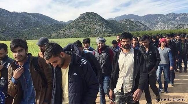 DEVA Partili Ekmen'den iktidara çağrı: Afgan göçmenlerin savaşçı olma ihtimalini açıklayın